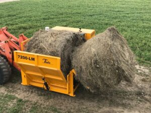 7200-LM Bale Processor bale lift with spears