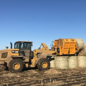7200-LMH Bale Processor loading bales